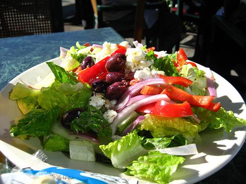 Griechischer salat der ideale sommergenuss for Leichte warme gerichte