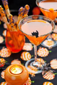 Auch die Dekoration der Getränke kann zu Halloween auf den Anlass abgestimmt werden. Foto: djd/BSI/thx