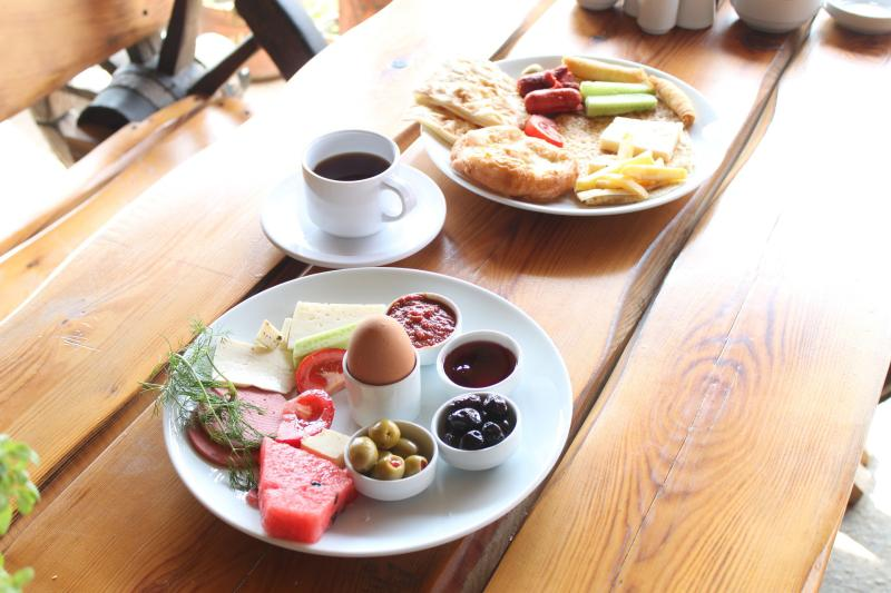 Eat, enjoy, relax: Casual Dining